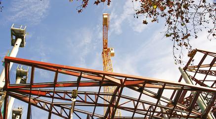 Estructuras metálicas en una construcción, Barcelona