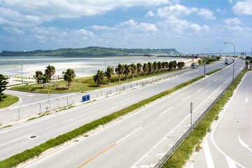 海中道路と平安座島