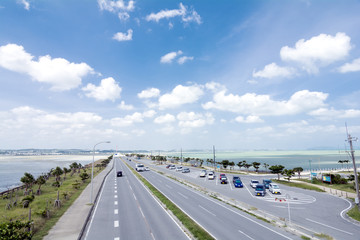海中道路から沖縄本島方面