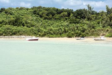 小舟と藪地島