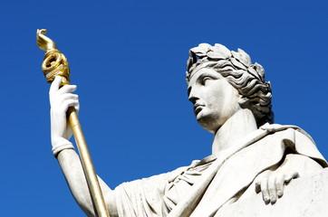 Assemblée Nationale  - Statue Loi