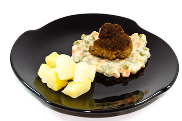 Frische Frikadelle mit Rahmgemüse und Salzkartoffel