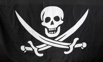 Drapeau pirate aux sabres croisés