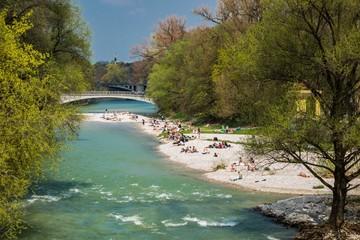 Feierabend chillend an der Münchner Isar