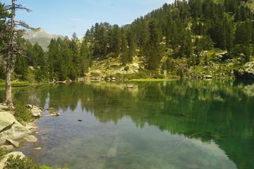lago alto pirineos