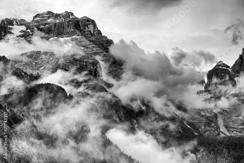 Dolomites Mountains Black and White Plakát