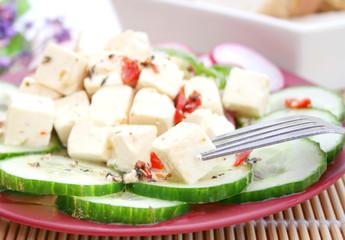 Gurkensalat mit Feta