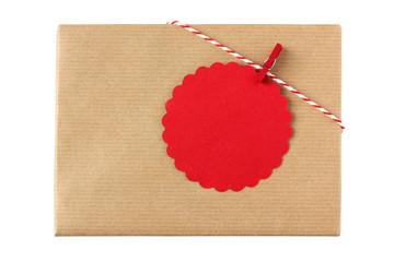 Geschenk mit Geschenkanhänger in rot