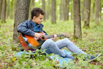 Teenager guitarist