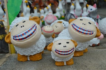 Smiling Sheep Clay Doll for Garden Decoration