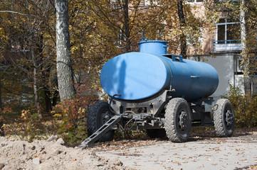 Car trailer tank