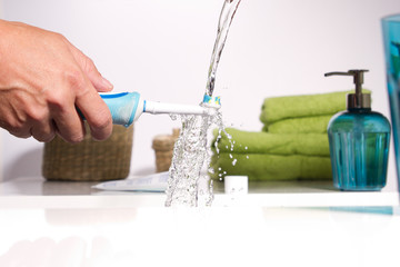 Zahnbürste auswaschen