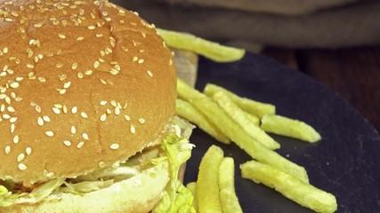 Homemade Chickenburger (seamless loopable)