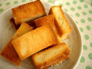 食パンのラスク
