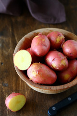 red new potatoes in a bowl