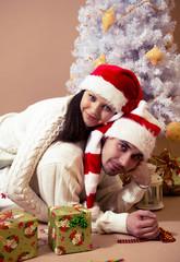 влюбленная пара на  новый год и рождество