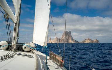 Sailing to rock island
