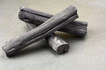 3本の備長炭