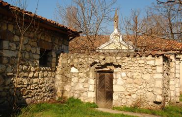 Старинная усадьба в Симферополе солнечным весенним днем