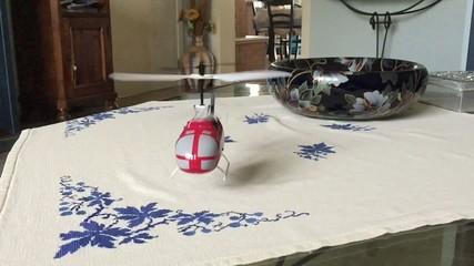 Slow motion micro elicottero radiocomandato
