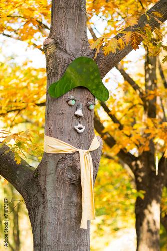 canvas print picture Baum mit Gesicht im Herbst