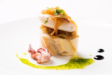 Tapa of squid with caramelized onion