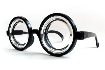 瓶底メガネ