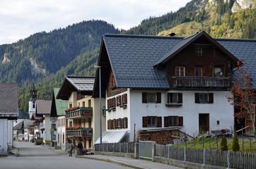Dorfstrasse in Nesselwängle, Tannheime Tal