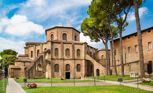 Zdjęcia na płótnie, fototapety, obrazy : Famous Basilica di San Vitale in Ravenna, Italy