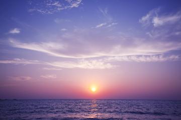夕日と水平線
