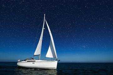 Boot bei Nacht