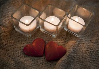 bougies et coeurs romantique