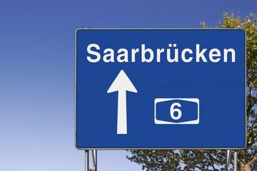 Wegweiser auf A6, Richtung Saarbrücken