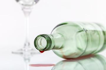 leere Flasche Wein © Matthias Buehner