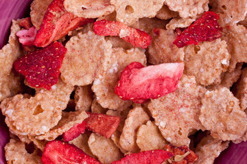 cereal with dried red fruits
