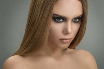 Beauty portrait of elegant sexy woman with smokey eyes