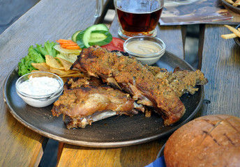 roasted ribs and beer