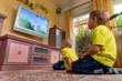 canvas print picture - Kinder beim fernsehen