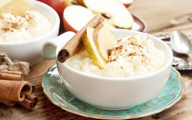 Rice Pudding with Apple and Cinnamon