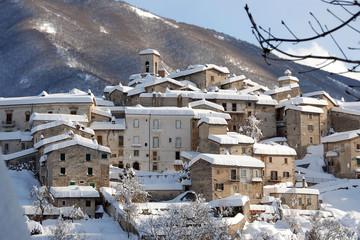 SCANNO, Abruzzo, Italy - panorama invernale 6