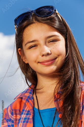 canvas print picture Portrait of beautiful girl with sunglasses