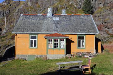 Old yellow Lofoten