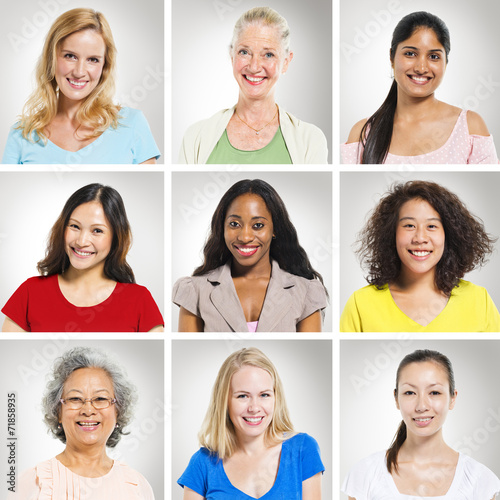 canvas print picture Group of Multiethnics Women Smiling