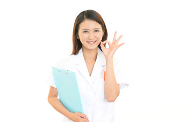 笑顔の女医