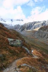 sentiero nell'alta valle di Goschenen - Svizzera