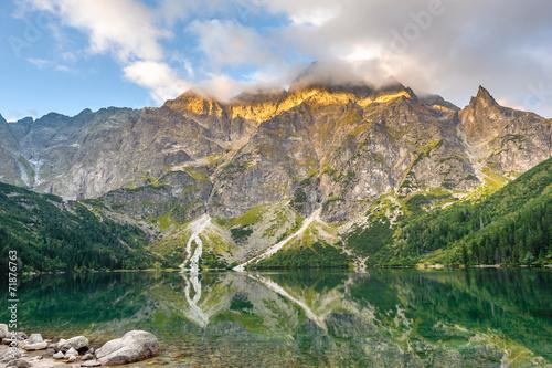 obraz lub plakat Piękne krajobrazy z Tatr i jeziora w Polsce