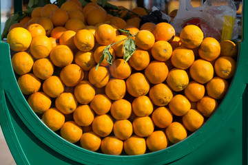 The stall with fresh oranges