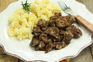 rognons de porc et pâtes