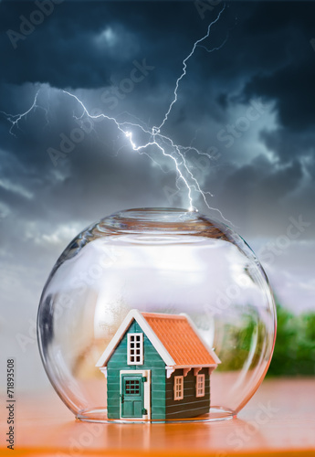 Insured house in thunder - 71893508