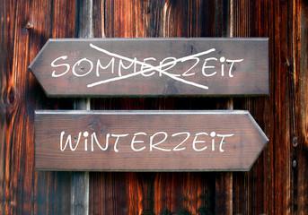 Strassenschild 28 - Winterzeit